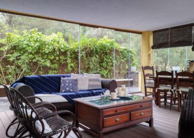 sala de estar muebles madera interiorismo