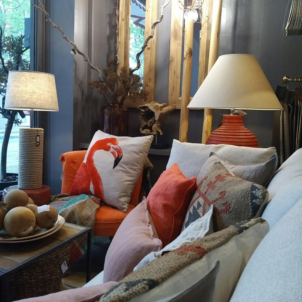 coordinado cojines en lino y algodón en coral y beige