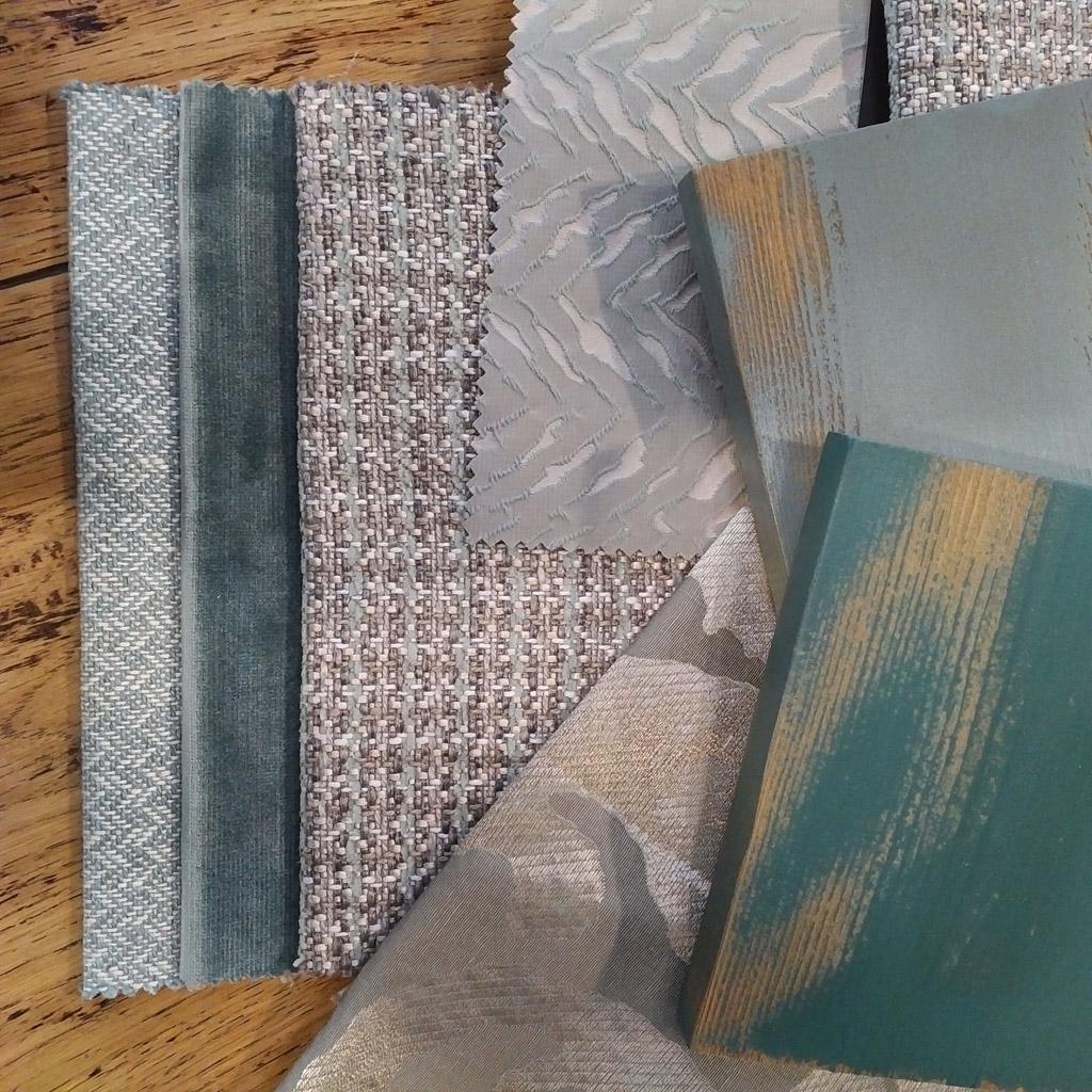 Coordinado textiles chenilla, terciopelo, y estampados tonos azules y verde agua