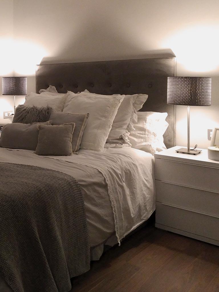 Coordinado textil y ropa de cama en blanco y crema