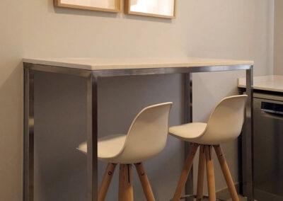 Mueble a medida barra cocina inox-silestone