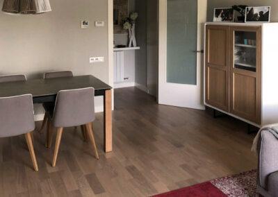 Mueble lacado blanco y roble natural
