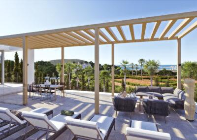 4 terraza con suelo porcelanico antideslizante